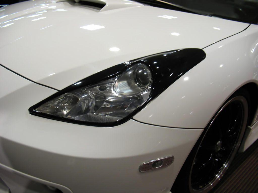a color white car